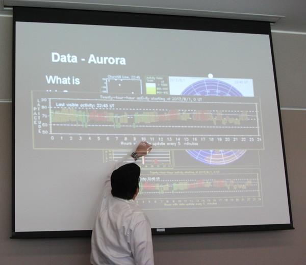 Michael Hirsch describing Powerpoint slide on ISR experiment
