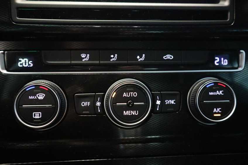 "Volkswagen Golf 1.4 TSI GTE MARGE! Navigatie ClimateControl CruiseControl 18""LM afbeelding 15"