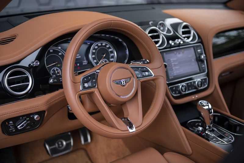Bentley Bentayga 4.0 D (BTW AUTO) Elektrische trekhaak + Apple Carplay + Adaptive Cruise + Nachtzicht + Werkelijk in nieuwstaat afbeelding 24