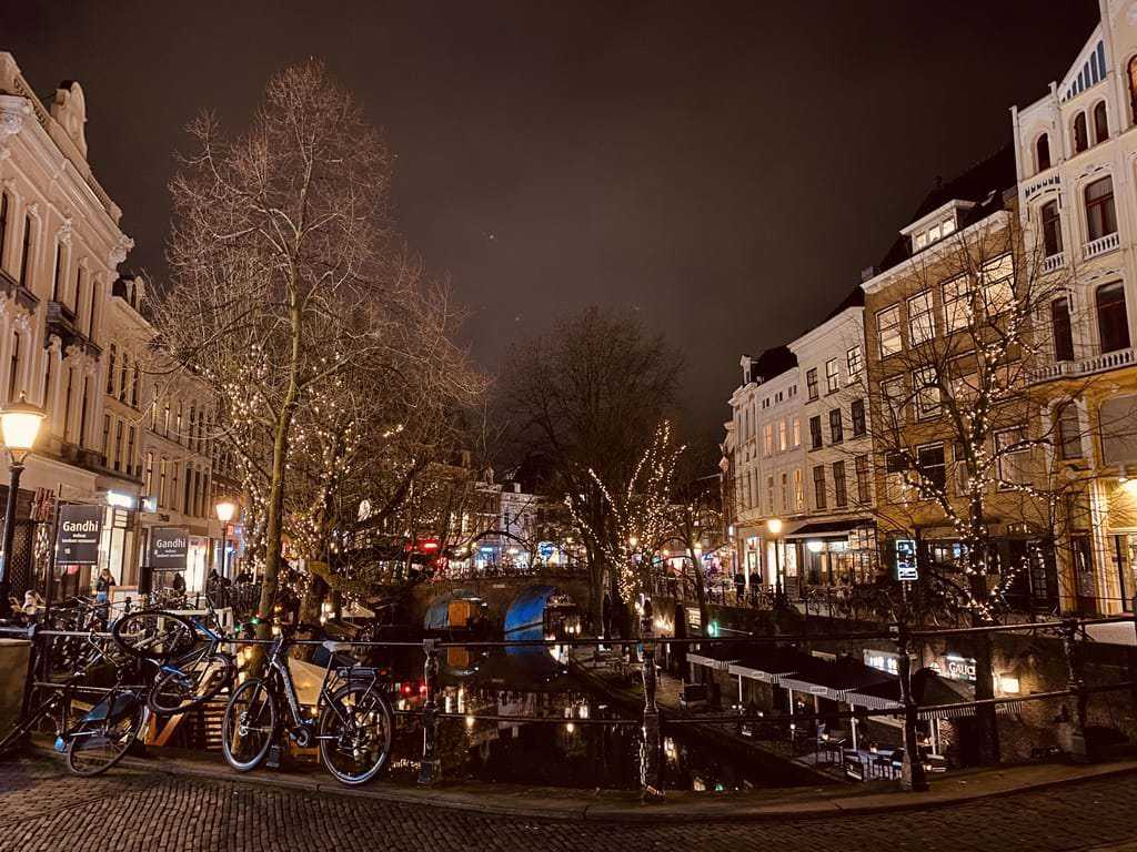 Utrecht or Amsterdam, which city is better for living? We give you 5 good reasons why Utrecht is better than Amsterdam and why you should at least visit it.