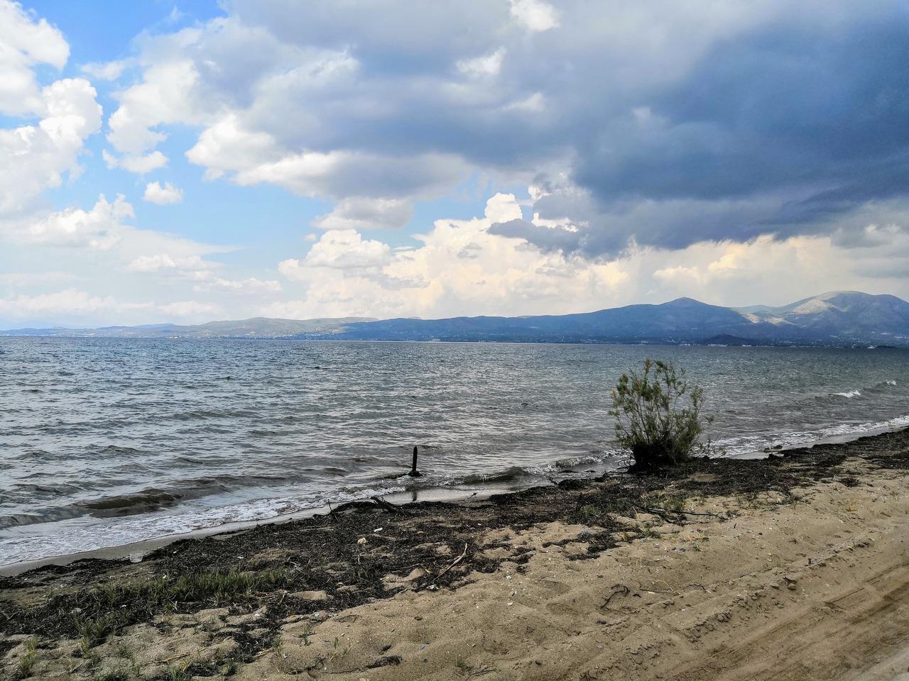 Seaside cloudy beach view