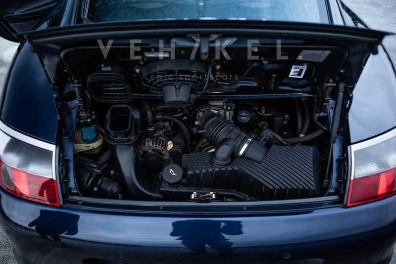 Porsche 911 3.6 Coupé Carrera 4 // Nachtblau // Mint condition afbeelding 10
