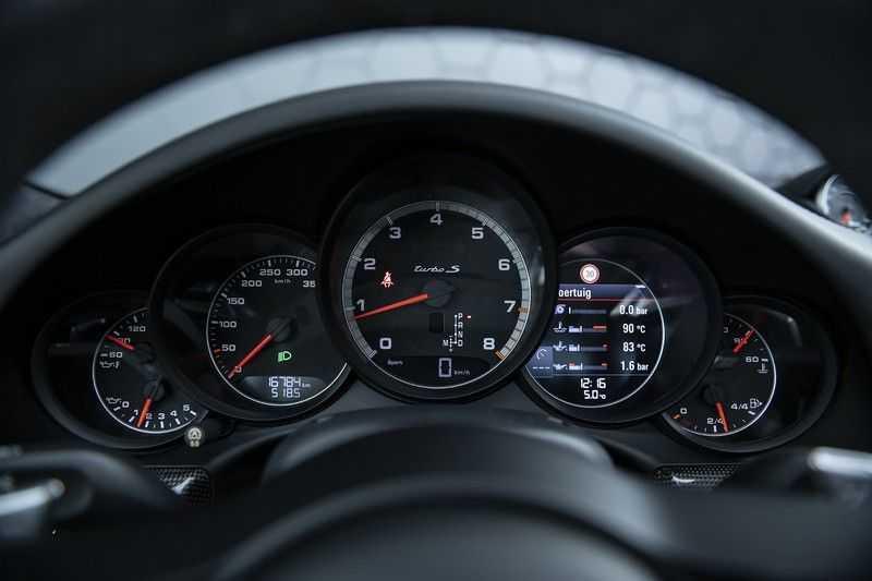 Porsche 911 Turbo S 991.2 3.8 Carbon seats + Keramisch + 4-wiel best. + NP € 331.000,- + Dak + Carbon + Bose + Carplay + ACC afbeelding 15