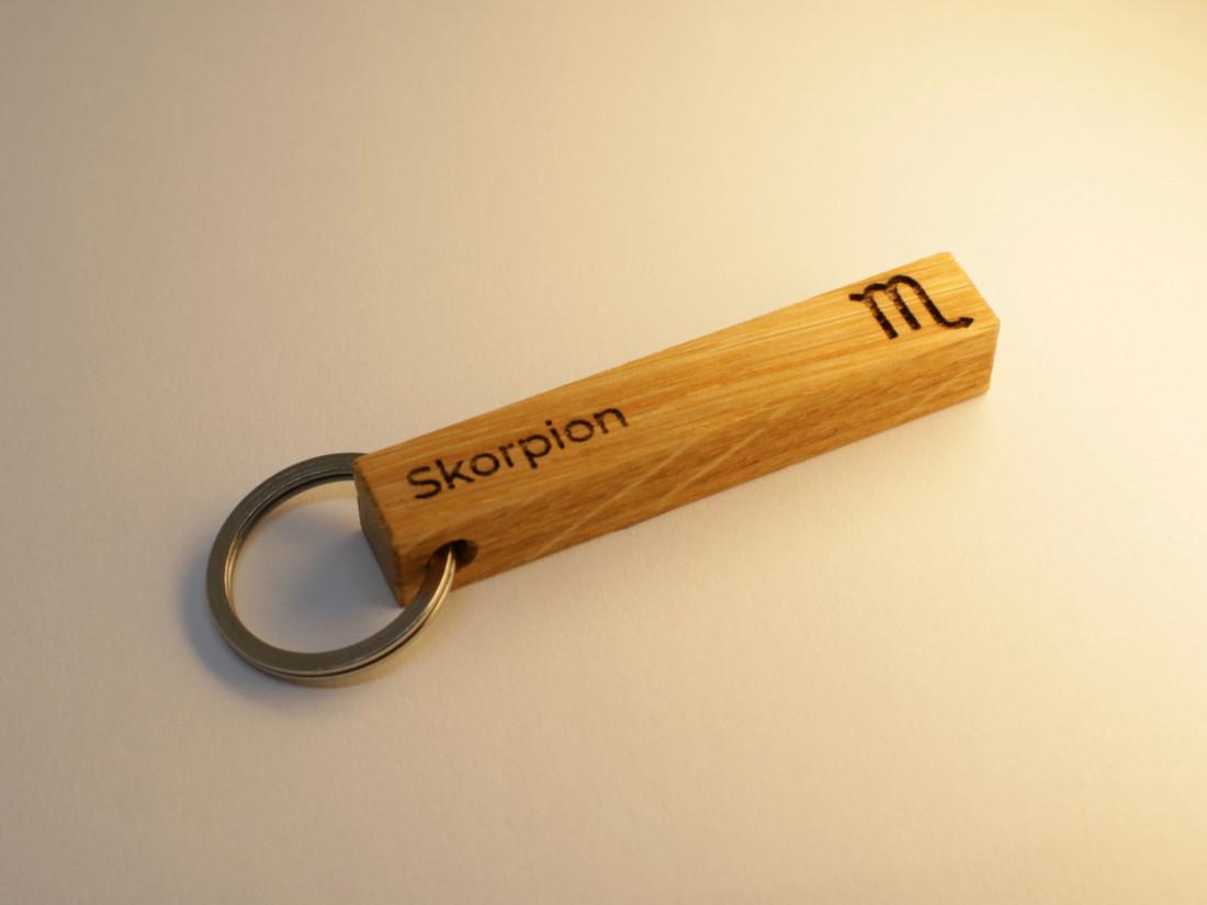 Schlüsselanhänger mit Sternzeichen Skorpion als persönliches Geschenk.