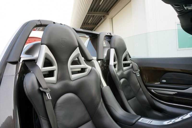 Porsche Carrera GT 5.7 V10 1 of 1.270 afbeelding 2