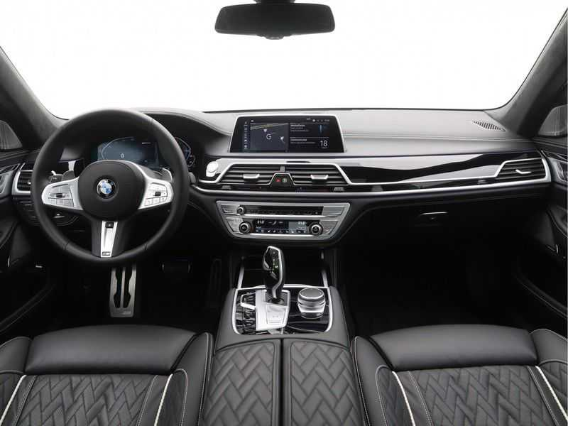 BMW 7 Serie 745e High Executive M-Sport Automaat afbeelding 21