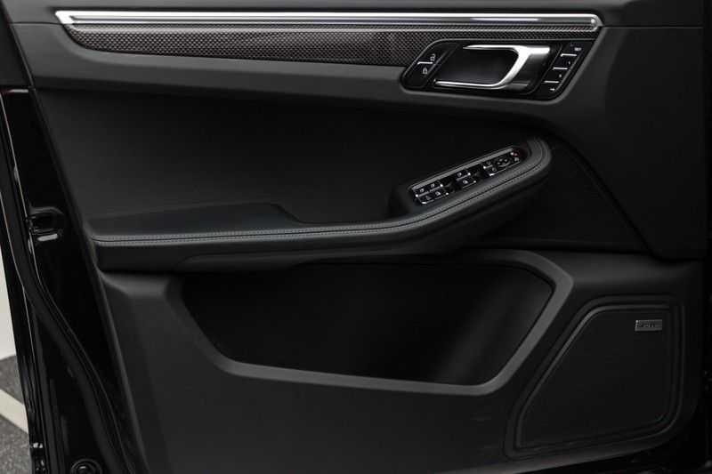 "Porsche Macan 3.0 S 354pk PDK Black Design Nieuw Model Luchtvering Panoramadak SportChrono ACC Sportleder+Memory Keyless Full-Led Navi/High Privatglass AppleCarplay 21""Turbo Pdc afbeelding 8"