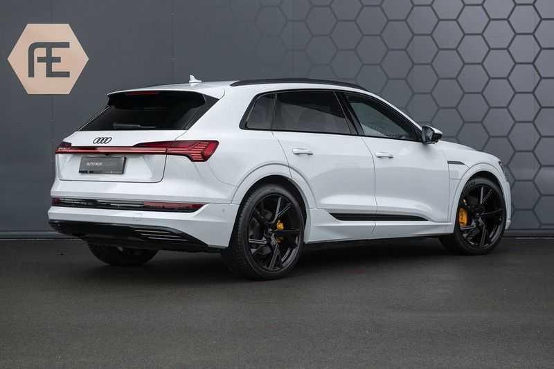 "Audi e-tron e-tron 55 quattro advanced Pro Line S 4% bijtelling!! DEC. 2018!! € 146,- netto bijtelling pm! Head-up + B&O etc. Tot januari 2024 4% bijtelling!! Prijs inclusief 22"" velgen afbeelding 7"
