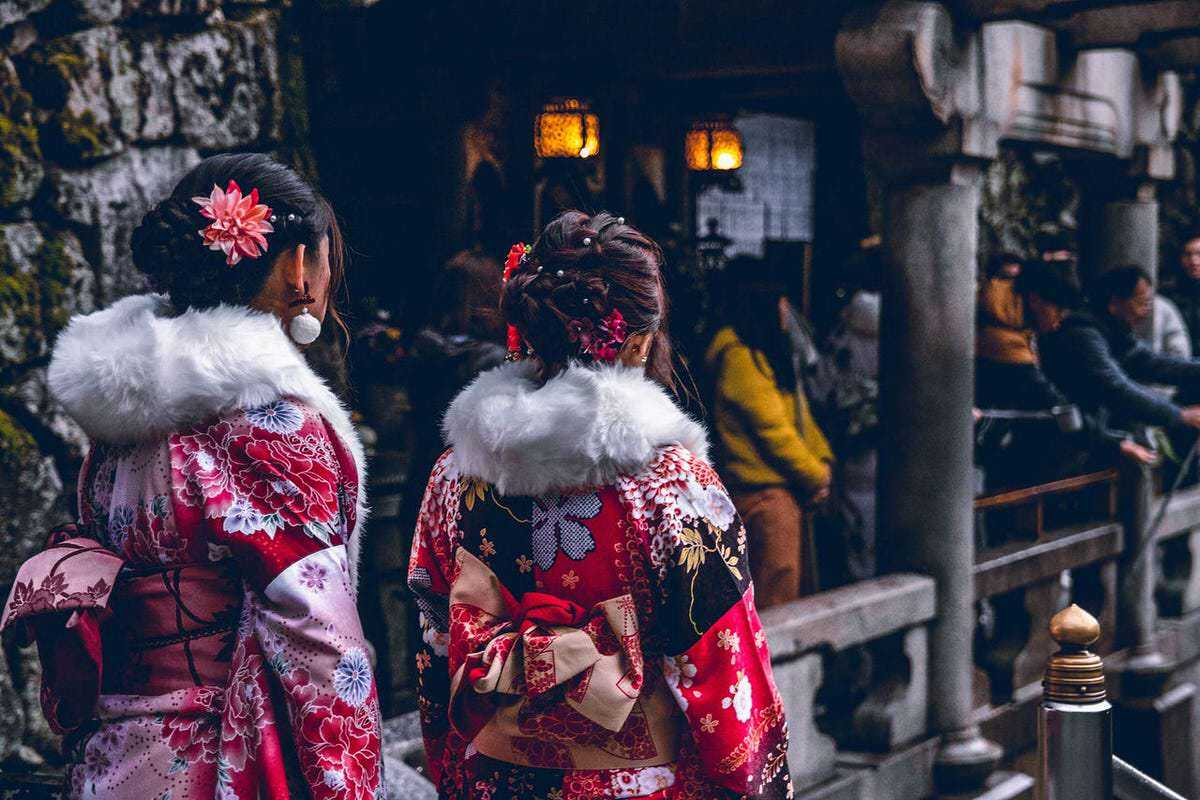 With its distinguished culture, history and innovation in technology, expats have been flocking to Japan to discover what makes this country so special. Discover why!