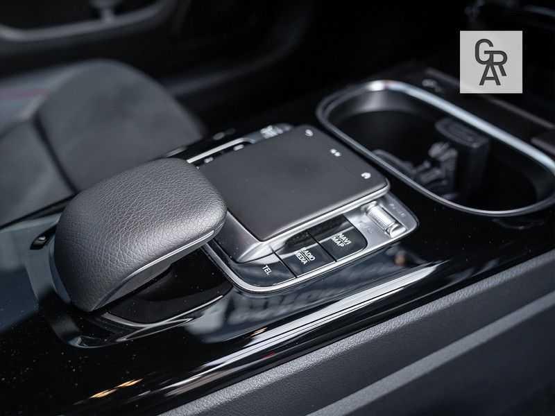 Mercedes-Benz A-Klasse A200 Launch Edition Premium Plus afbeelding 21