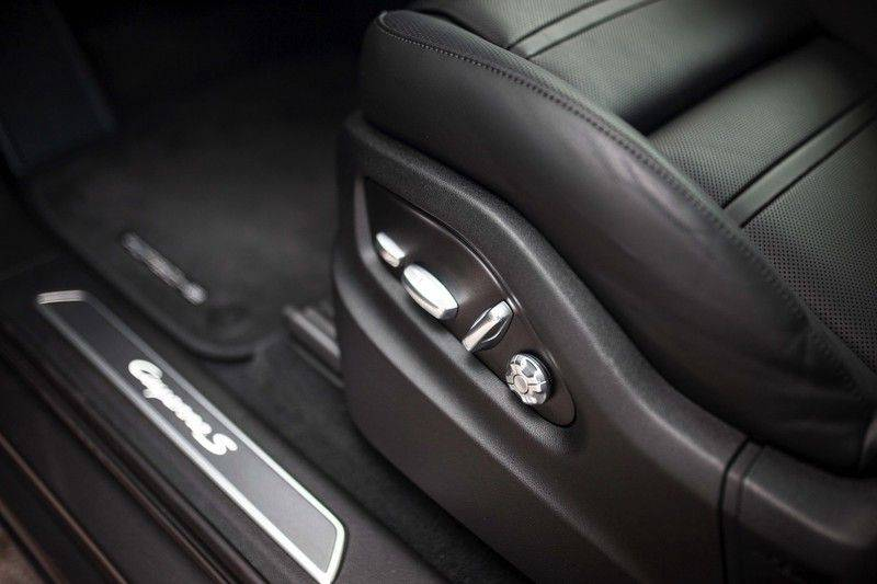 Porsche Cayenne 2.9 S Coupé *BOSE / Sportdesign / 4 Wielbesturing / Memory / Sport Chrono / HUD* afbeelding 23