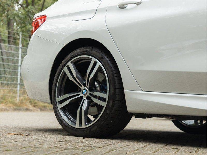 BMW 6 Serie Gran Turismo 630i High Executive - M-Sport - Luchtvering - Facelift - Panorama afbeelding 11