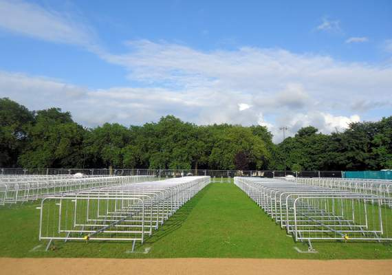 Event barriers lined up