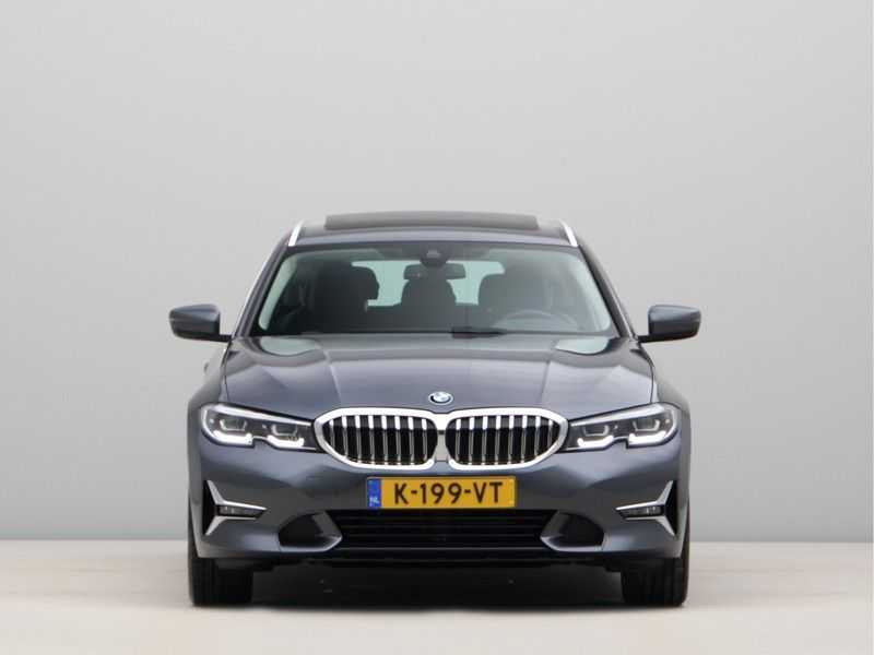 BMW 3 Serie Touring 320d High Executive Edition afbeelding 11