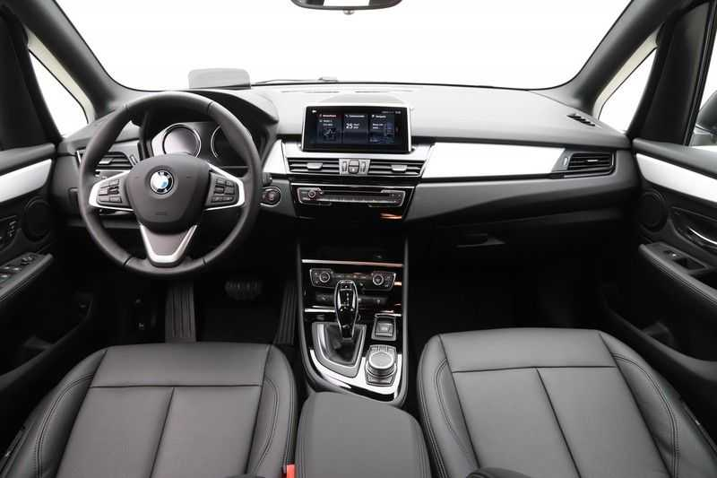 BMW 2 Serie Active Tourer 218i High Executive afbeelding 10