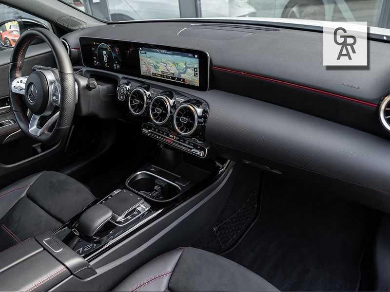 Mercedes-Benz A-Klasse A200 Launch Edition Premium Plus afbeelding 8