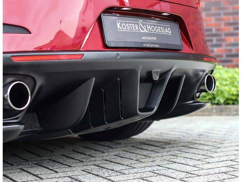 Ferrari GTC4 6.3 V12 Lusso *Panoramadak*passagiers display* afbeelding 20