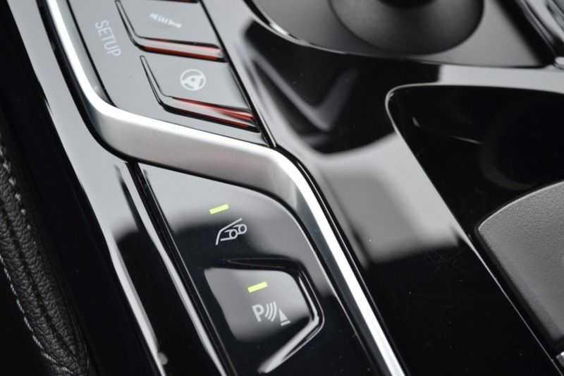 BMW M5 Schuifdak HK M Drivers Package M Stoelen afbeelding 14