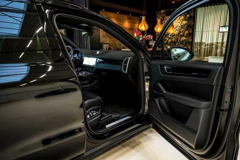 Porsche Cayenne 3.0 E-Hybrid | Panorama | Memory | 360 gradencamera | Sport Chrono | DAB afbeelding 24