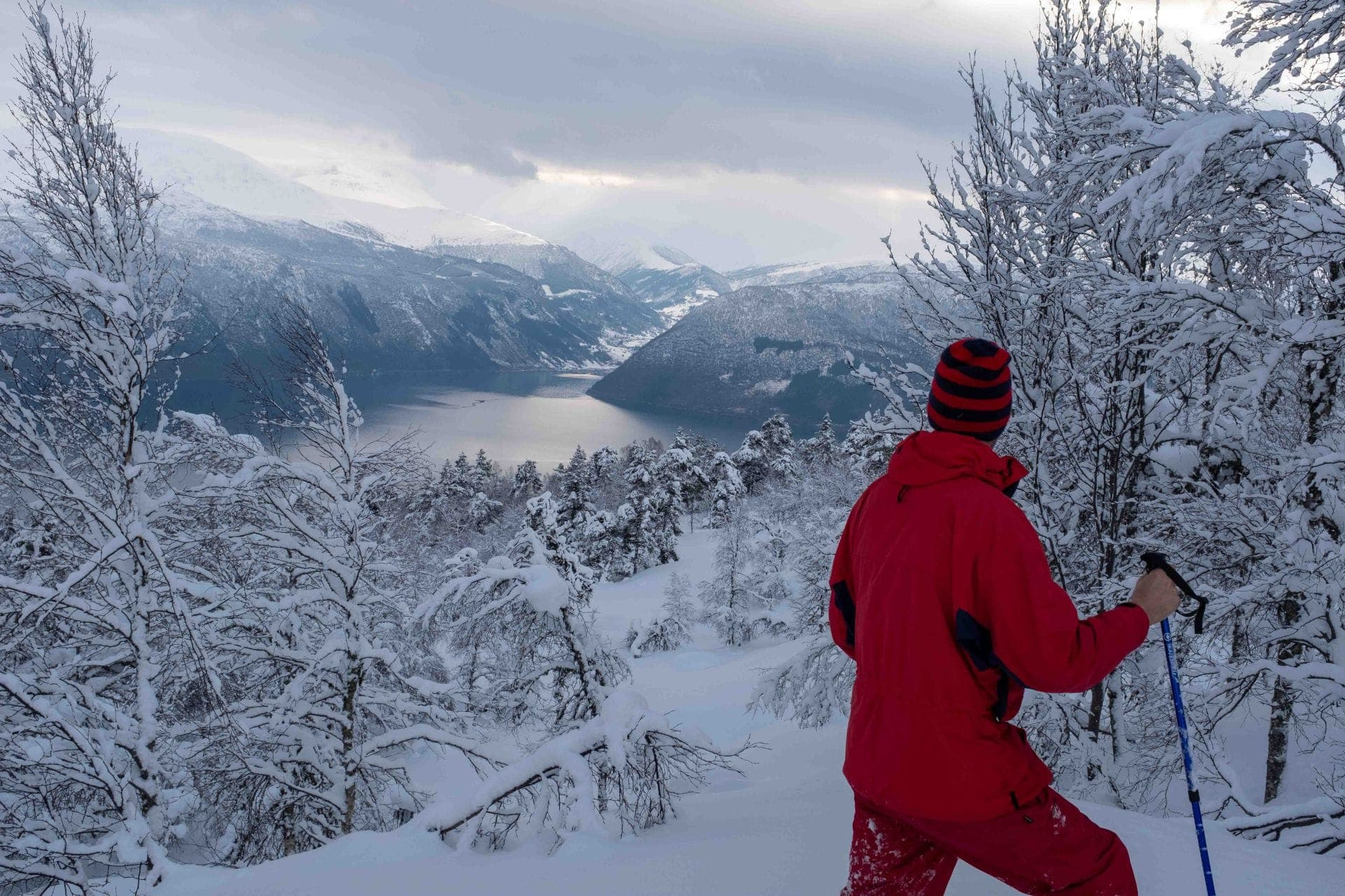 Snowshoe hike in amazing Balestrand