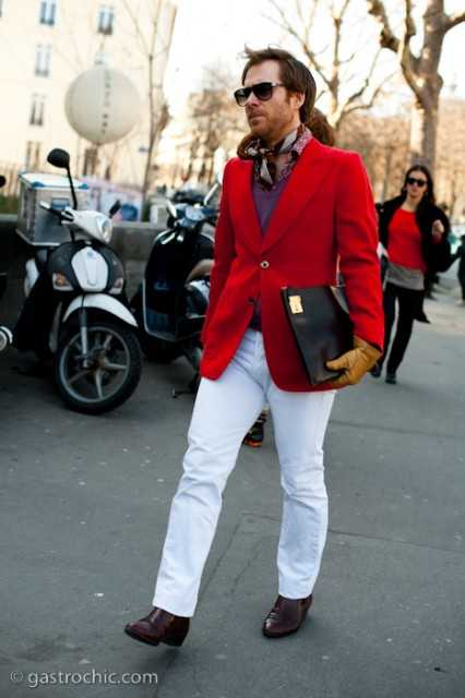 red blazer and white jeans costume national 1 426x640