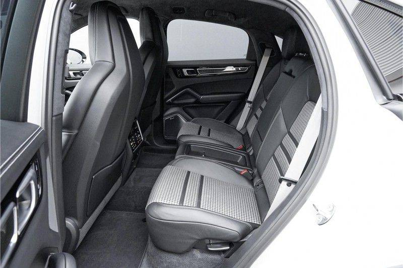 Porsche Cayenne Coupé E-Hybrid 462pk Nieuwprijs: €190.000,- Sportpakket, Techart afbeelding 4