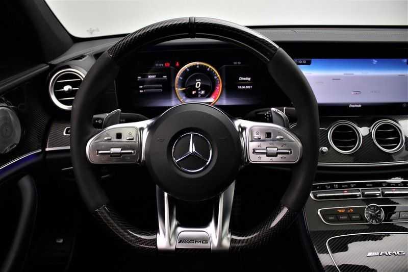 Mercedes-Benz E-Klasse 63 S AMG 4Matic-plus|kuipstoelen|pano|carbon afbeelding 3