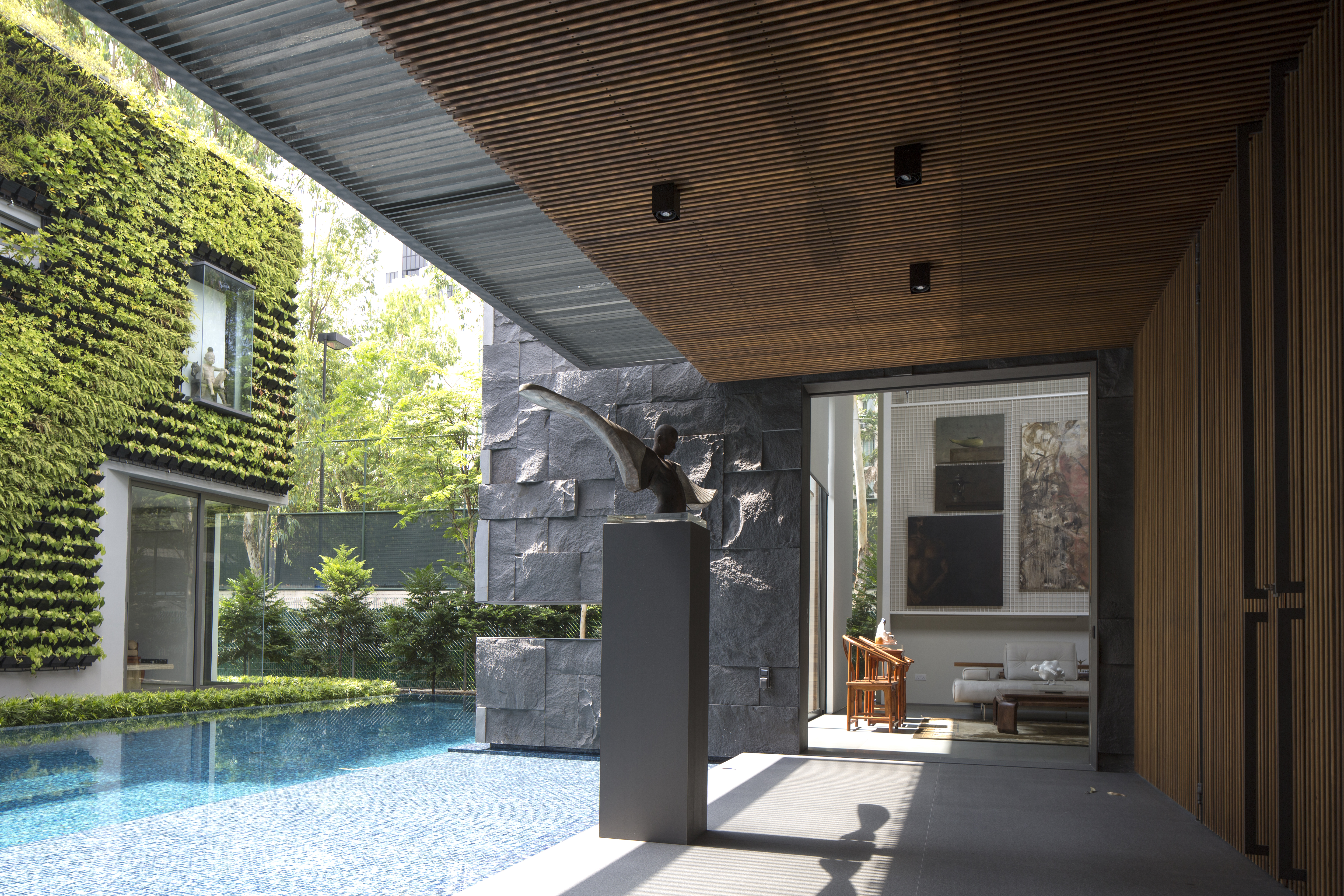 House of a collector by RT+Q Architects