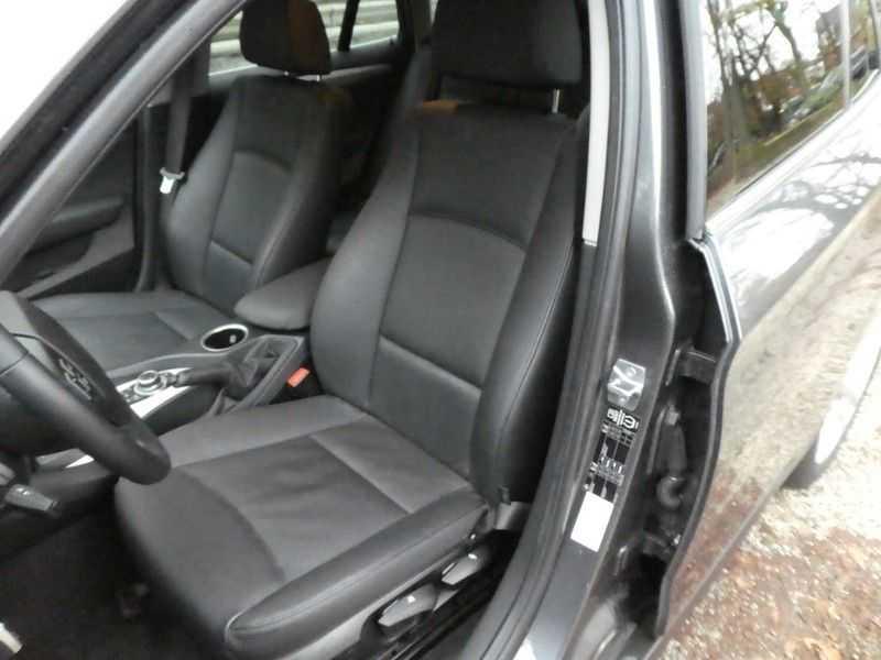 BMW X1 sDrive20i afbeelding 2