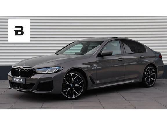 BMW 5 Serie 545e xDrive High Executive Harman/Kardon, Schuifdak, Laserlight, Head-Up Display, Soft-Close