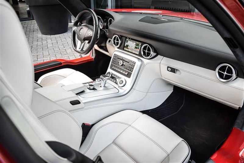 Mercedes-Benz SLS SLS AMG EXCLUSIVE DESIGNO+CAMERA (571 PK) afbeelding 9