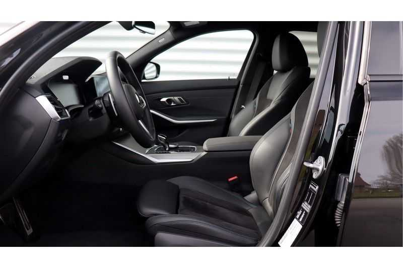 BMW 3 Serie Touring 330i Executive M Sport Driving Assistant Plus, HiFi, Comfort Access afbeelding 18