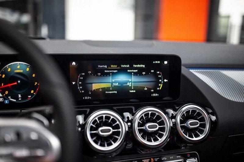 Mercedes-Benz GLA 200 AMG Line *Pano / HUD / Memorystoelen / 360 Cam / Burmester* afbeelding 15
