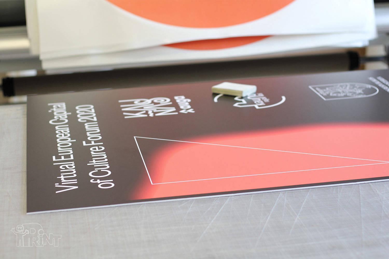 Reklamos klijavimas ant kartono