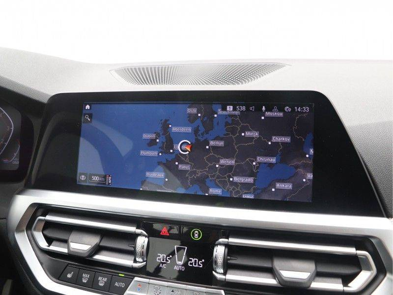 BMW 3 Serie Sedan 320i High Executive M-Sport Automaat afbeelding 19