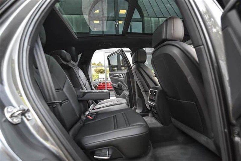 Porsche Cayenne E-HYBRID SPORTDESIGN+PANO.DAK+4WSTURING afbeelding 5