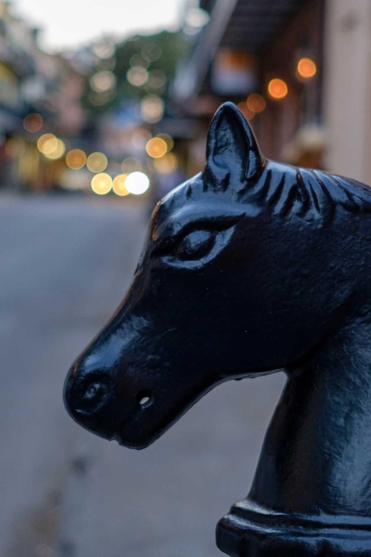 Horse head bollard