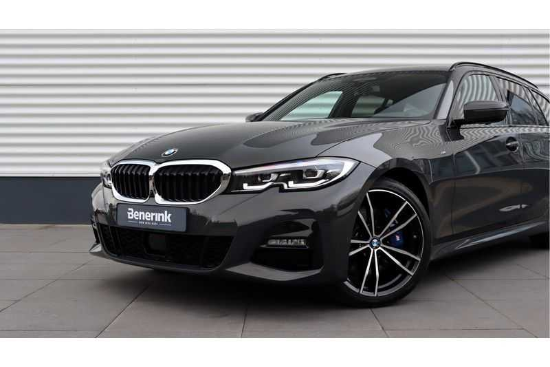 BMW 3 Serie Touring 330i Executive M Sport Driving Assistant Plus, HiFi, Comfort Access afbeelding 17