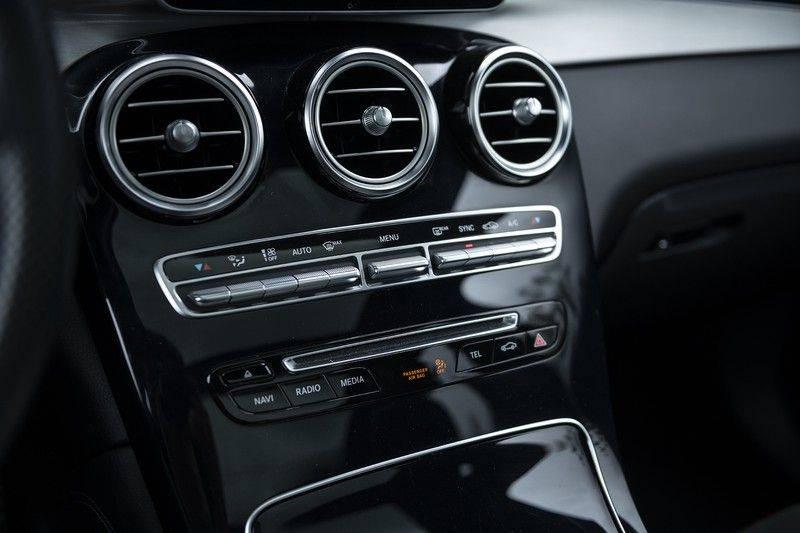 Mercedes-Benz GLC 350d AMG 4MATIC Premium Plus GLC Apple CarPlay + Verwarmde stoelen + Elektrische trekhaak + Panorama Dak afbeelding 24