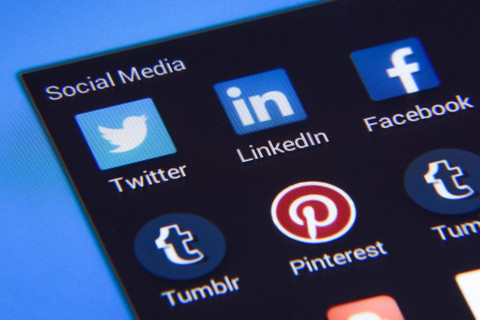 Can I Market Content on LinkedIn? Strategy, Style, and Audience