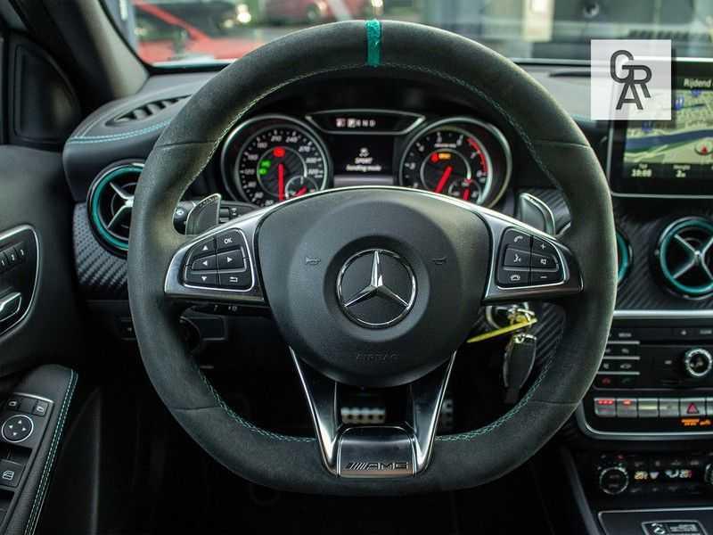 Mercedes-Benz A-Klasse 45 AMG 4MATIC afbeelding 11