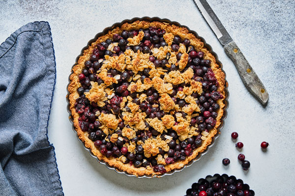Easy Berry Crisp Tart