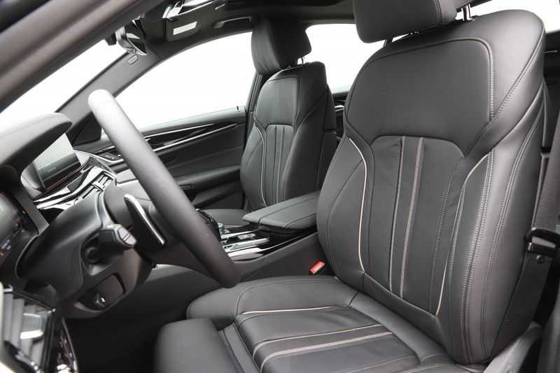 BMW 5 Serie 520i High Exe Luxury Line afbeelding 14