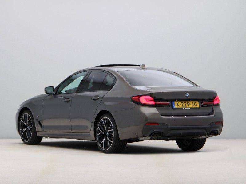 BMW 5 Serie 540i High Exe M-Sport afbeelding 11