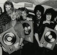 2 garymoore band with phil lynott 1985.200x200