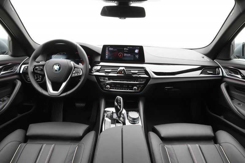 BMW 5 Serie 520i High Exe Luxury Line afbeelding 18