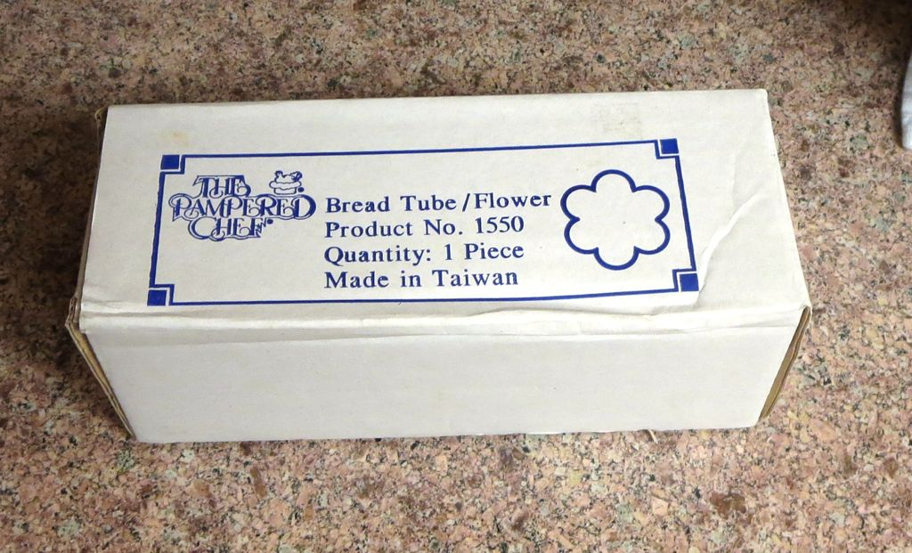 Pampered Chef scalloped bread tube