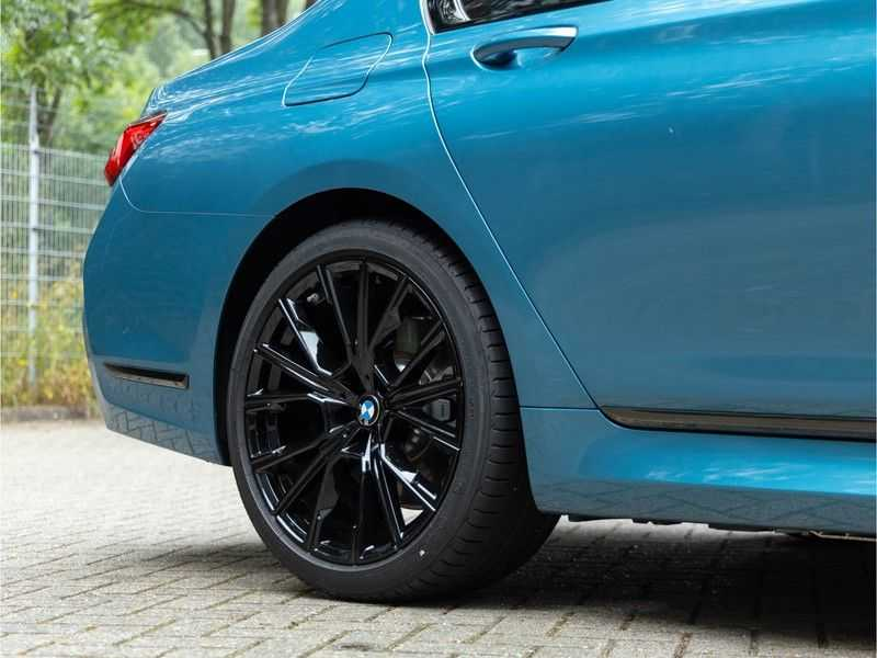 BMW 7 Serie 745Le xDrive Individual ''Maldives Blue'' - Full Option afbeelding 19