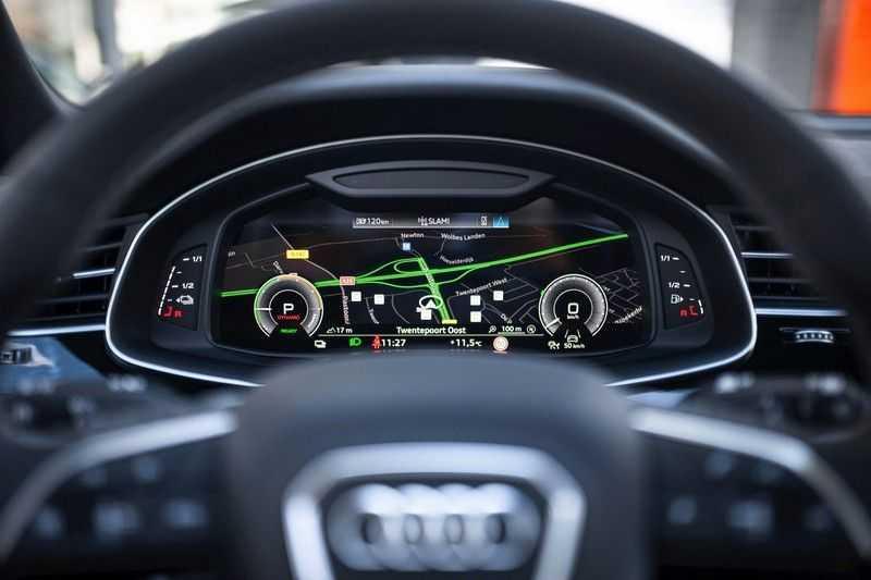 "Audi Q8 55 TFSI E Hybride Quattro *S-Line / B&O / Pano / 23"" / Black Pack / ACC* afbeelding 3"