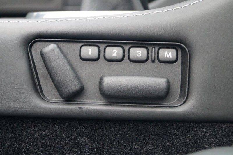Aston Martin DBS Volante 6.0 V12 6-Speed Manual *!*Only 43 worldwide*!* afbeelding 25